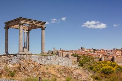 Los Cuatro Postes, Ávila