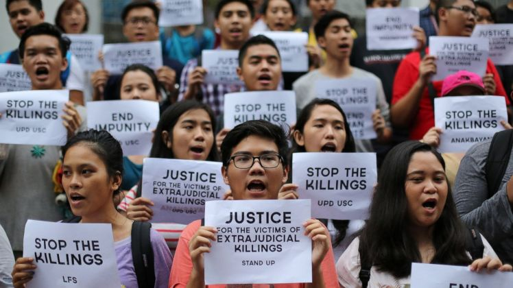 Students in the Philippines protest the extrajudicial killings of Rodrigo Duterte